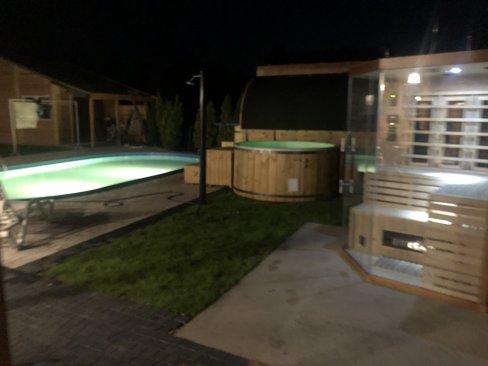 Basen i sauna w Cichowie