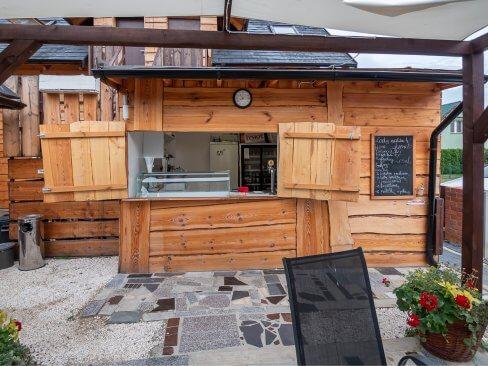 Pizzeria i bar w Cichowie