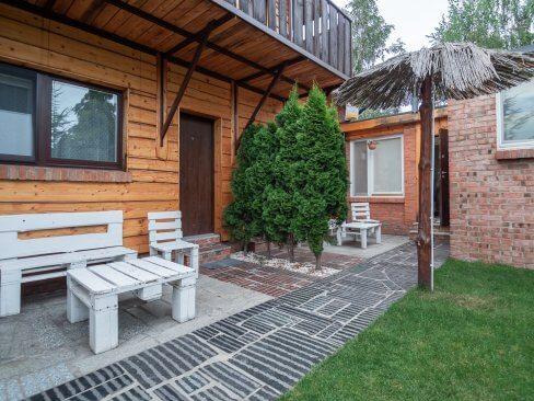 Ogródek przy pokoju - Wczasy w Cichowie